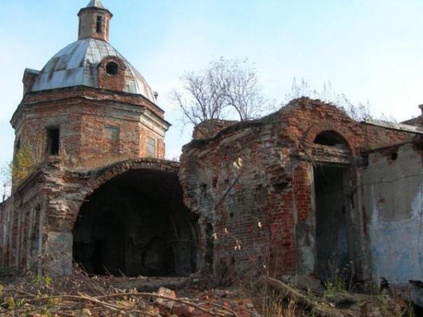 Покровская церковь в Сарапуле. разрушенная
