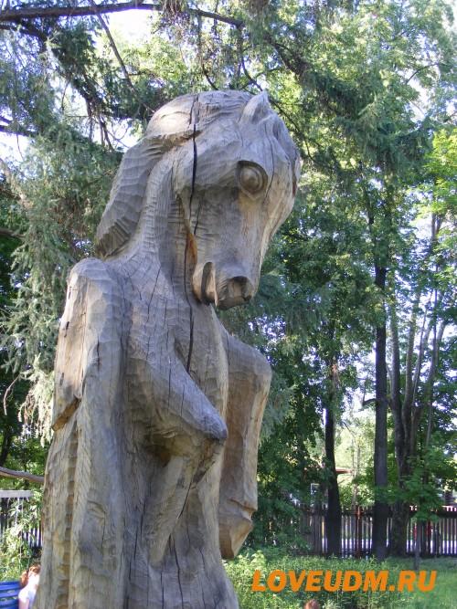 дерев фигура лошади