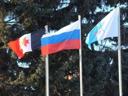 флаги россии, удмуртии и ижевска