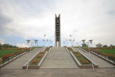лестница к монументу 2