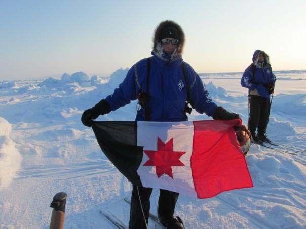 флаг Удмуртии на Северном полюсе